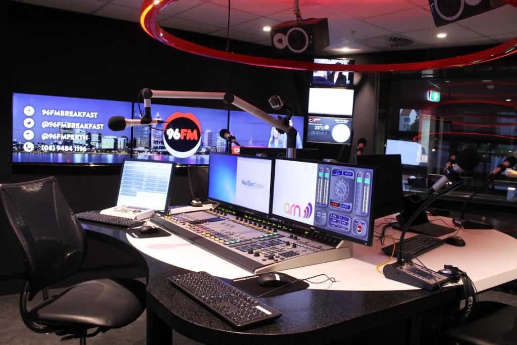 96FM studio1