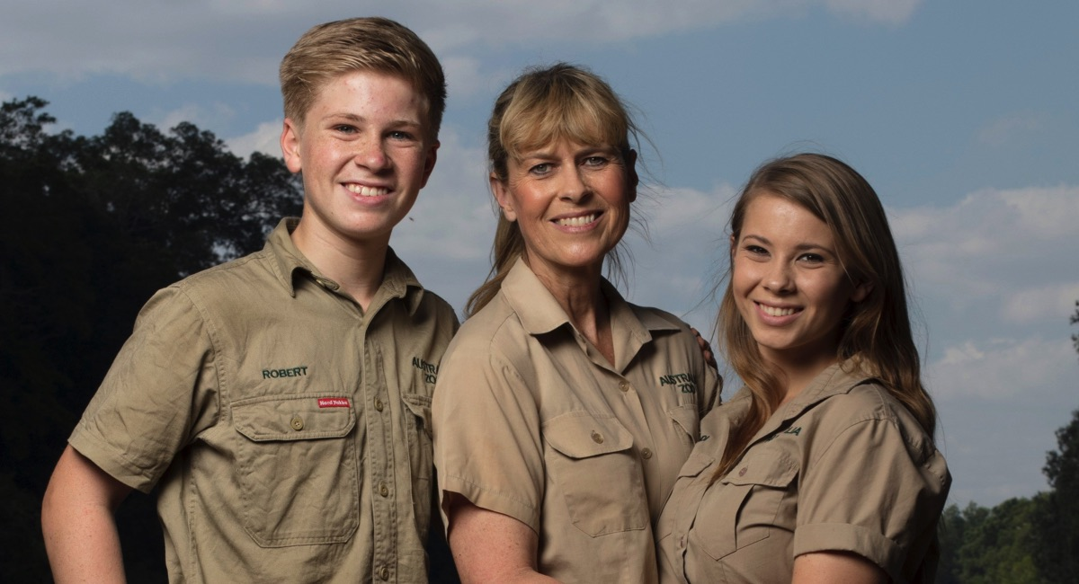 The Irwin Family Returns Home To Discovery S Animal Planet
